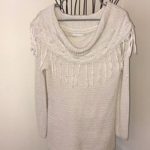 Cowl neck w fringe detail long sleeve knit sweater
